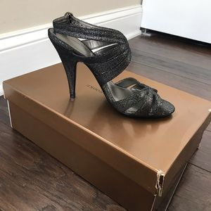 NWB Audrey Brook Pewter Strappy Sandal Size 7.5